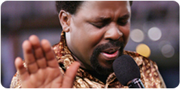 TB Joshua Praying